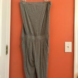 Grey sleeveless jumpsuit